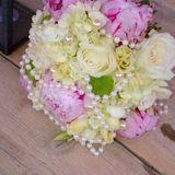 Gea floral arrangement