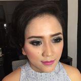 Lie pauline makeup