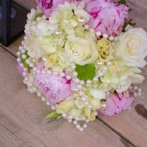 Gea floral arrangement