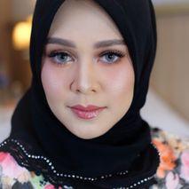 Hanna lazwardy makeup