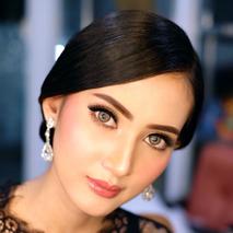 Alvina Makeup & Hairdo