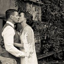 kiss the groom photography