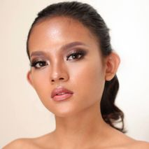 Theresia Elsi Makeup