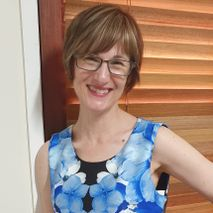 Brisbane Wedding Celebrant Elizabeth Wilkie