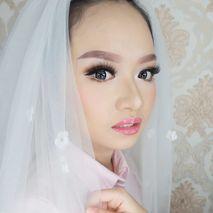 Desy Lestari Makeup