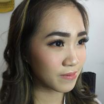 Livia Eletra Makeup Artist