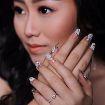 LuckyMonic nail art
