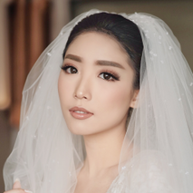 VIDI Airbrush Wedding make up Artist