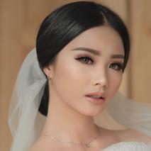 Vidi Daniel Makeup Artist managed by Andreas Zhu