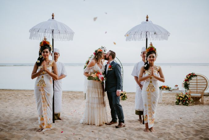 Tropical-themed wedding with Boho inspirations by Amora Bali Weddings - 025