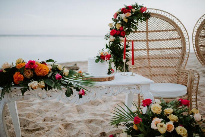 Tropical-themed wedding with Boho inspirations by Amora Bali Weddings - 030