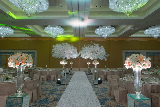 Wedding at Mulia Resort and Spa Bali by d'Oasis Florist & Decoration - 022