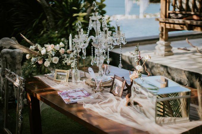 Cliff Wedding Dinner by Bali Izatta Wedding Planner & Wedding Florist Decorator - 006