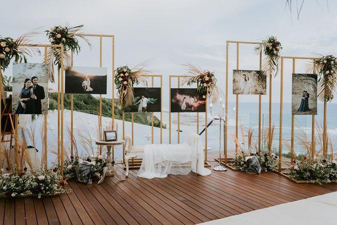 Burgundy & Navy Blue Wedding Decoration by Bali Izatta Wedding Planner & Wedding Florist Decorator - 002