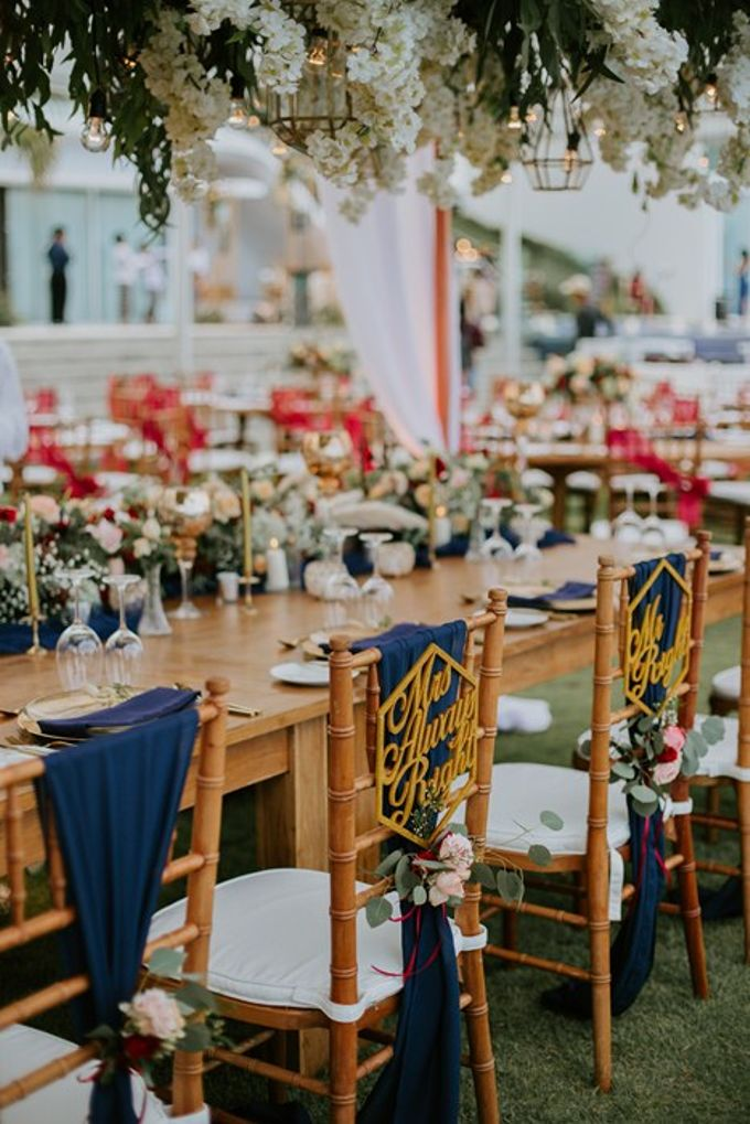 Burgundy & Navy Blue Wedding Decoration by Bali Izatta Wedding Planner & Wedding Florist Decorator - 004