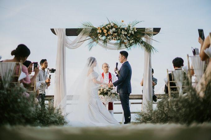 Cliff Wedding Dinner by Bali Izatta Wedding Planner & Wedding Florist Decorator - 007