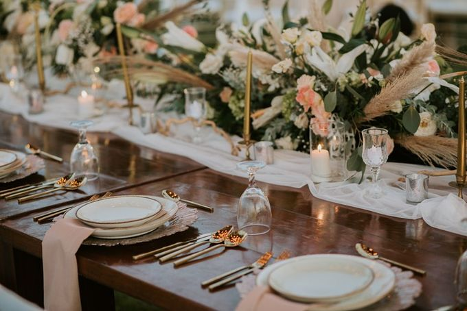 Cliff Wedding Dinner by Bali Izatta Wedding Planner & Wedding Florist Decorator - 009