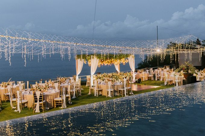 Cliff Wedding Dinner by Bali Izatta Wedding Planner & Wedding Florist Decorator - 008