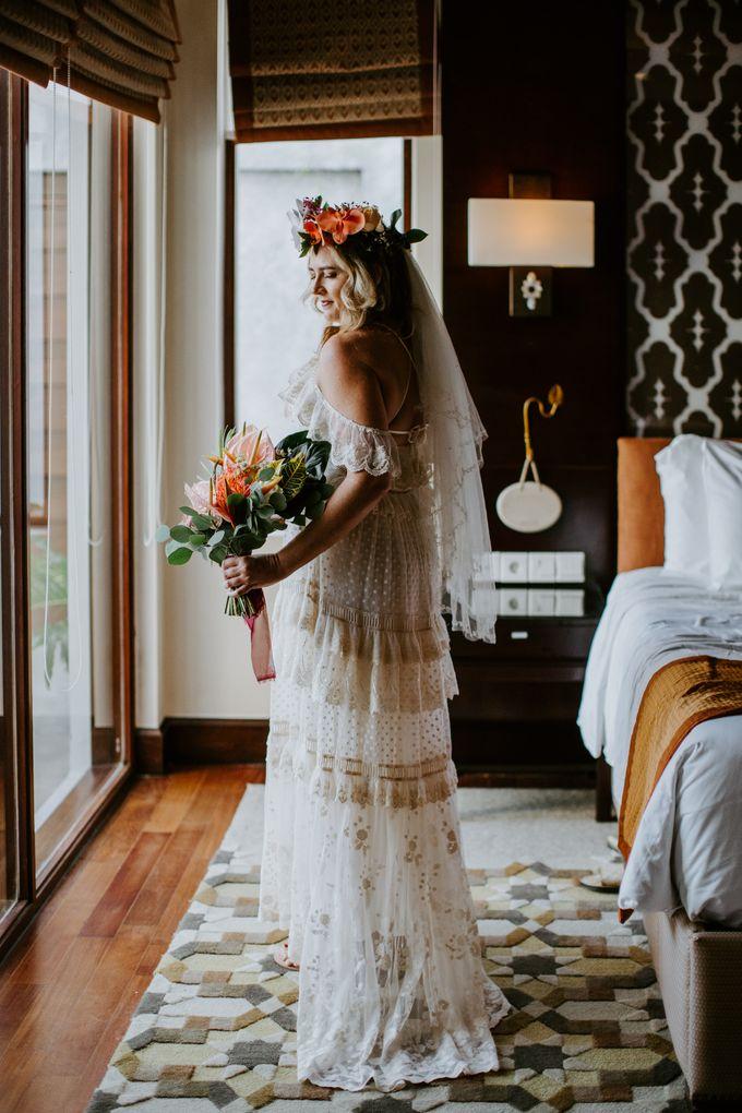 Tropical-themed wedding with Boho inspirations by Amora Bali Weddings - 011
