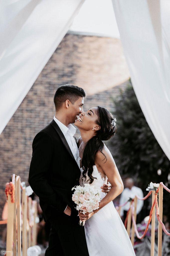 Beautiful Wedding In France - Fevrier Photography by Février Photography | Paris Photographer - 006
