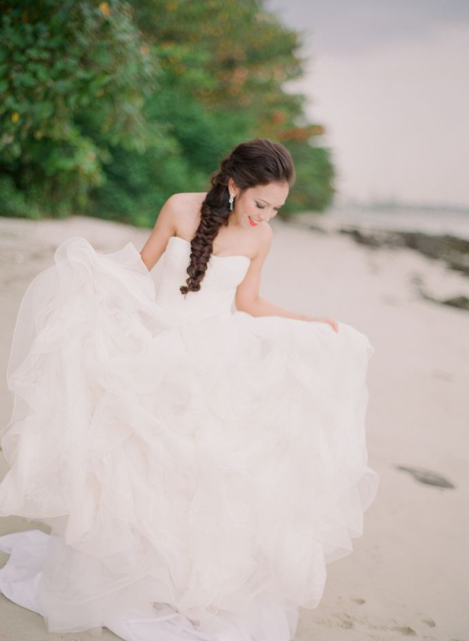 Bride by the Beach by Truly Enamoured - 001