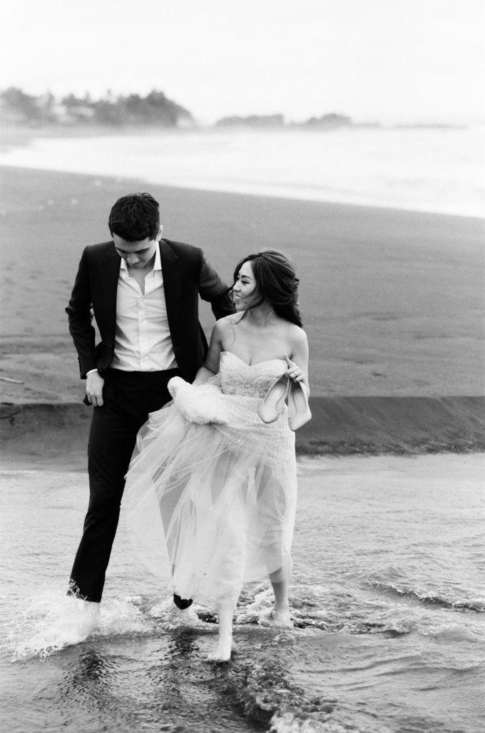 Matthew & Michelle Engagement by Arta Photo - 037