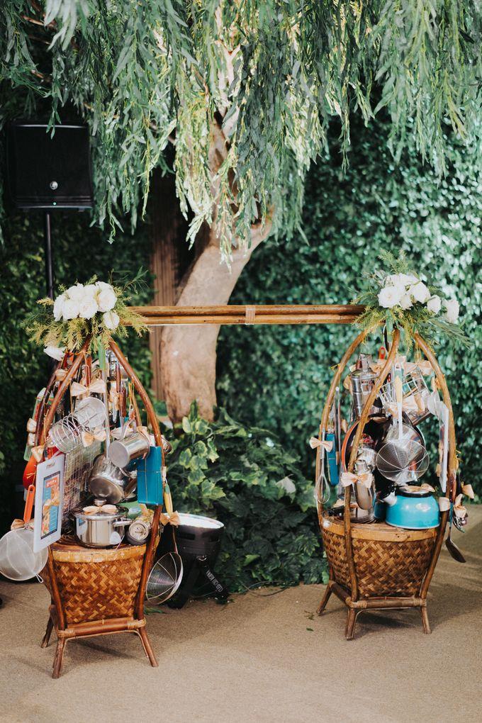 Javanese Traditional Wedding Theme at Dharmawangsa Hotel by Terralogical - 004