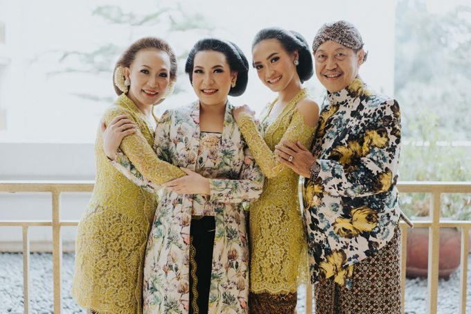 Javanese Traditional Wedding Theme at Dharmawangsa Hotel by Terralogical - 008
