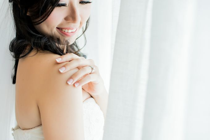 From Pancake To The Moon - Eddy & Lyshe Wedding by Vera Wang Singapore - 007