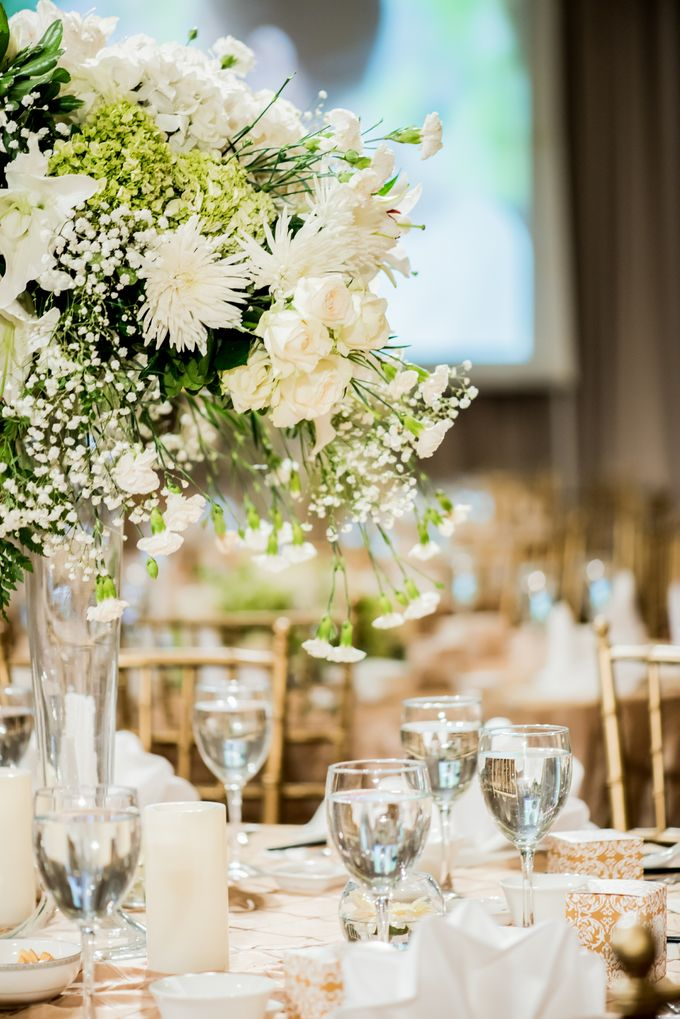 Romantic All White by STEVE'S DECOR - 007