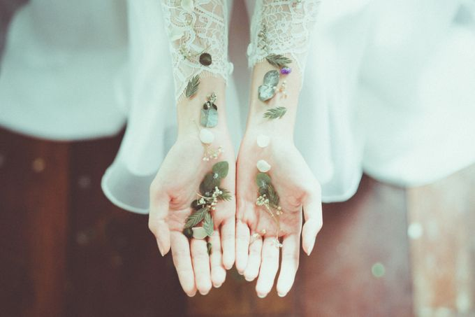 Contemporary & Peculiar Whimsical by Keira Floral - 012