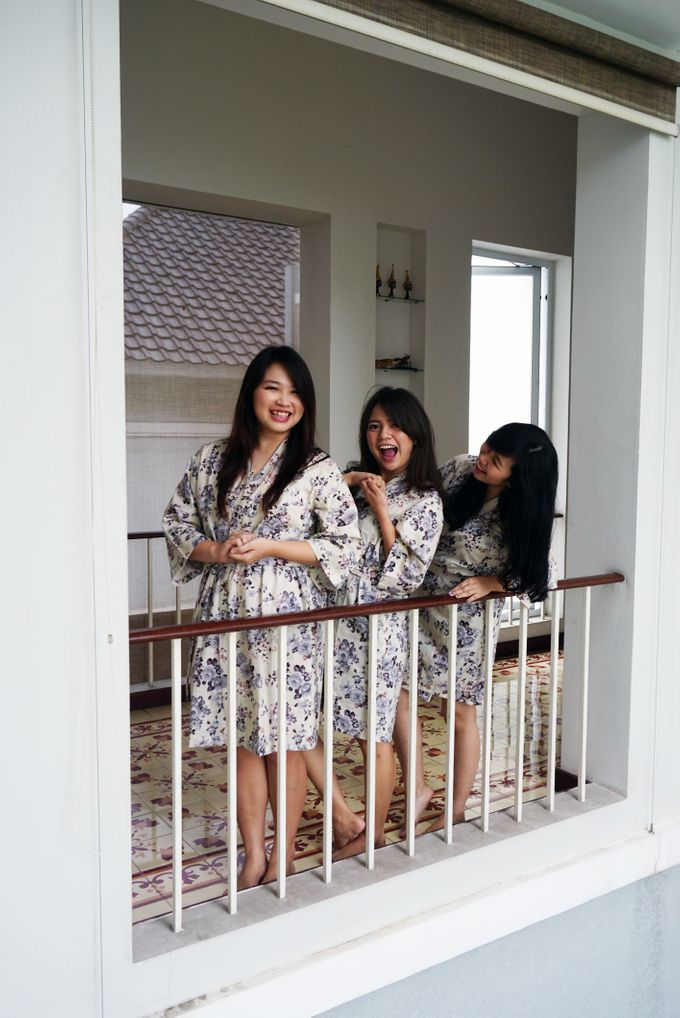 Bridesmaids Robes for CA Wedding Jakarta by Serendipicky - 004