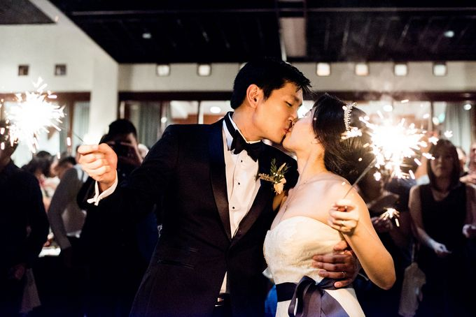 From Pancake To The Moon - Eddy & Lyshe Wedding by Vera Wang Singapore - 019