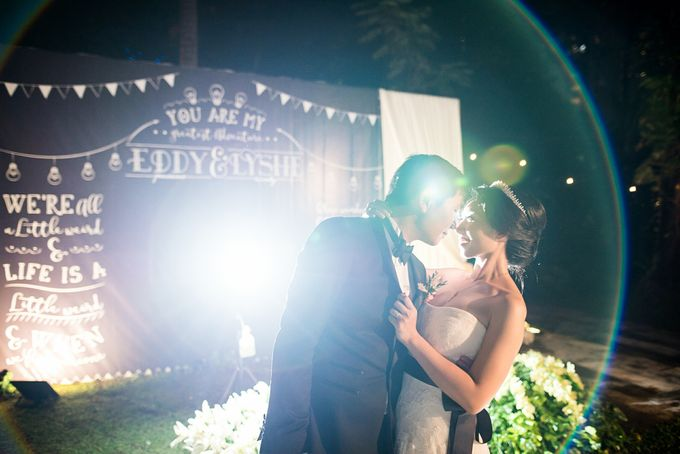 From Pancake To The Moon - Eddy & Lyshe Wedding by Vera Wang Singapore - 021