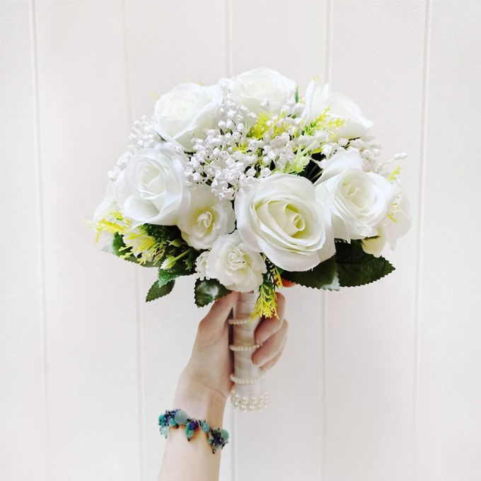 Artificial Wedding Hand bouquet - White Rose by raia_fleurs - 002