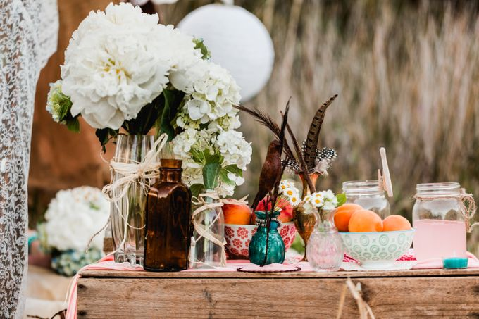 Romantic bohemian engagement shoot by Hilary Cam Photography - 008