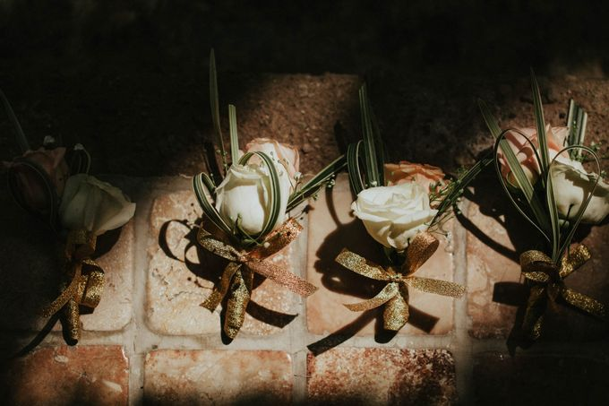 Romantic beach front wedding of Allan & Emma by Ario Narendro Photoworks - 006
