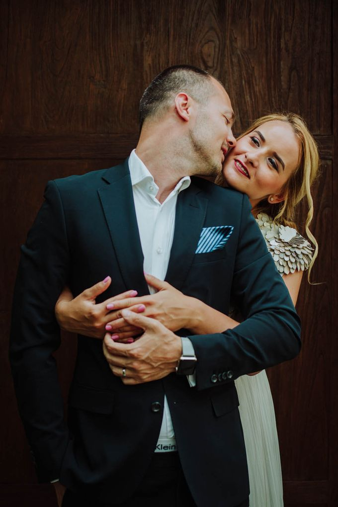 Intimate post wedding session of Corina & Razvan by Ario Narendro Photoworks - 002