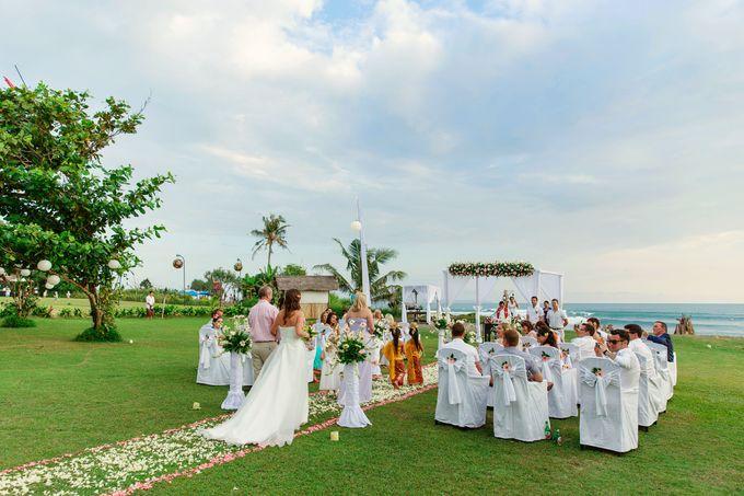 Dreamy Beach and Garden Wedding by D'studio Photography Bali - 001