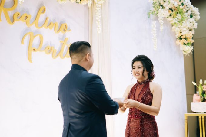 ENGAGEMENT REALINO & PERTIWI by lovre pictures - 017