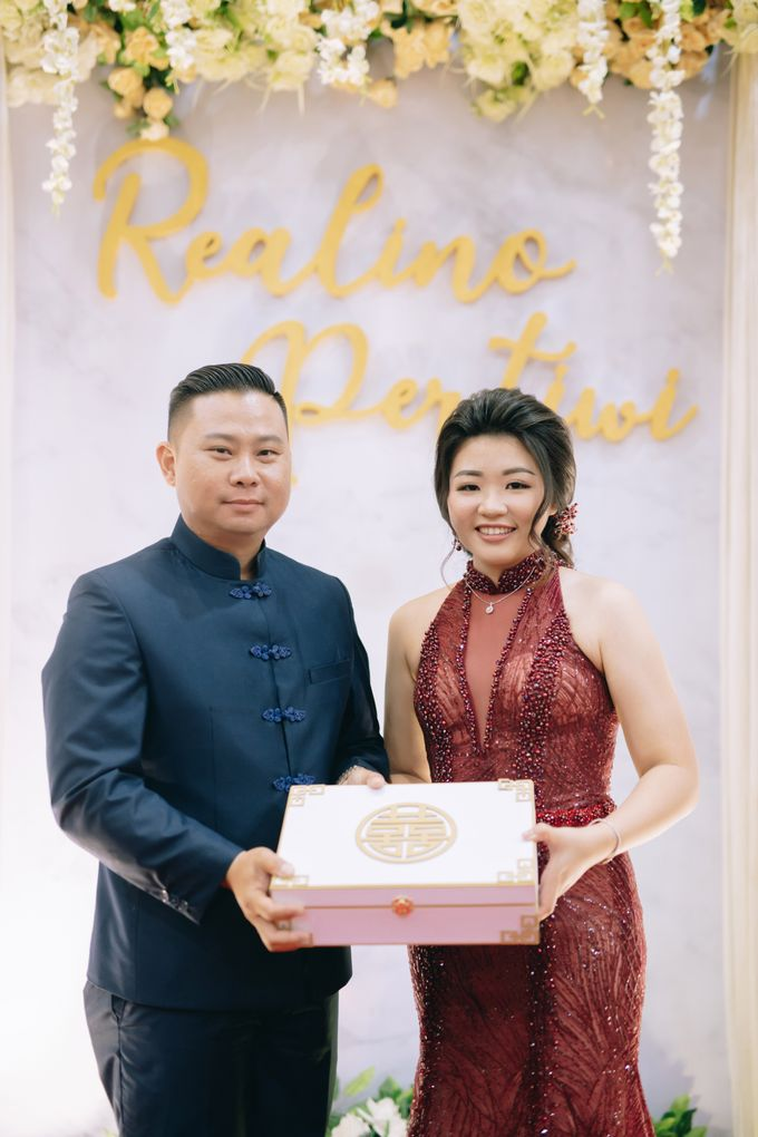 ENGAGEMENT REALINO & PERTIWI by lovre pictures - 028