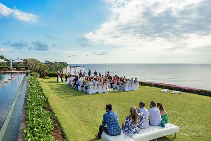 Tracey and Steve Wedding Day at The Istana Uluwatu by D'studio Photography Bali - 013