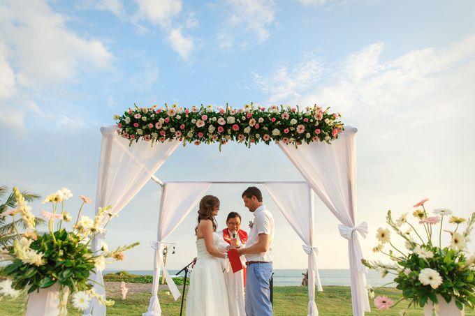 Dreamy Beach and Garden Wedding by D'studio Photography Bali - 002