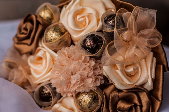 Chocolate Bridal Brooch Bouquet by Marini Bouquets - 002