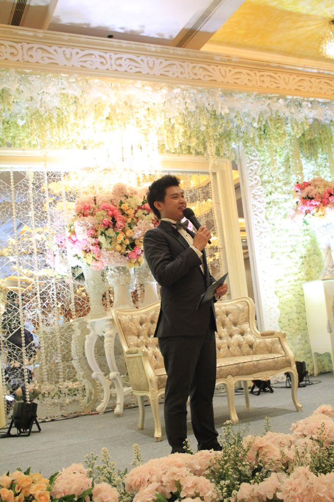 MC Wedding Red Top Hotel Jakarta - Anthony Stevven by Pelangi Cake - 017