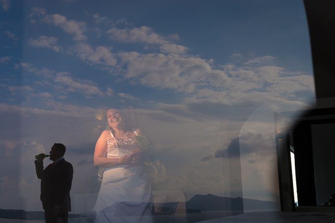 Beach wedding in Santorini by Red Knot Weddings & Events - 003