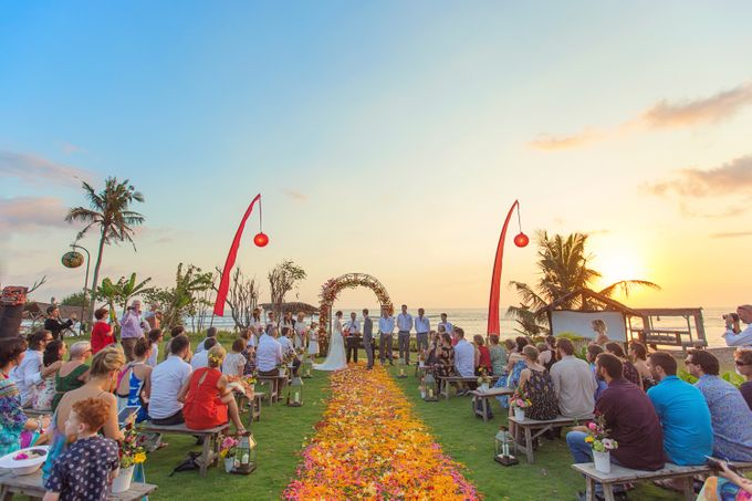 Colorful Day For Jess & Jack by D'studio Photography Bali - 006