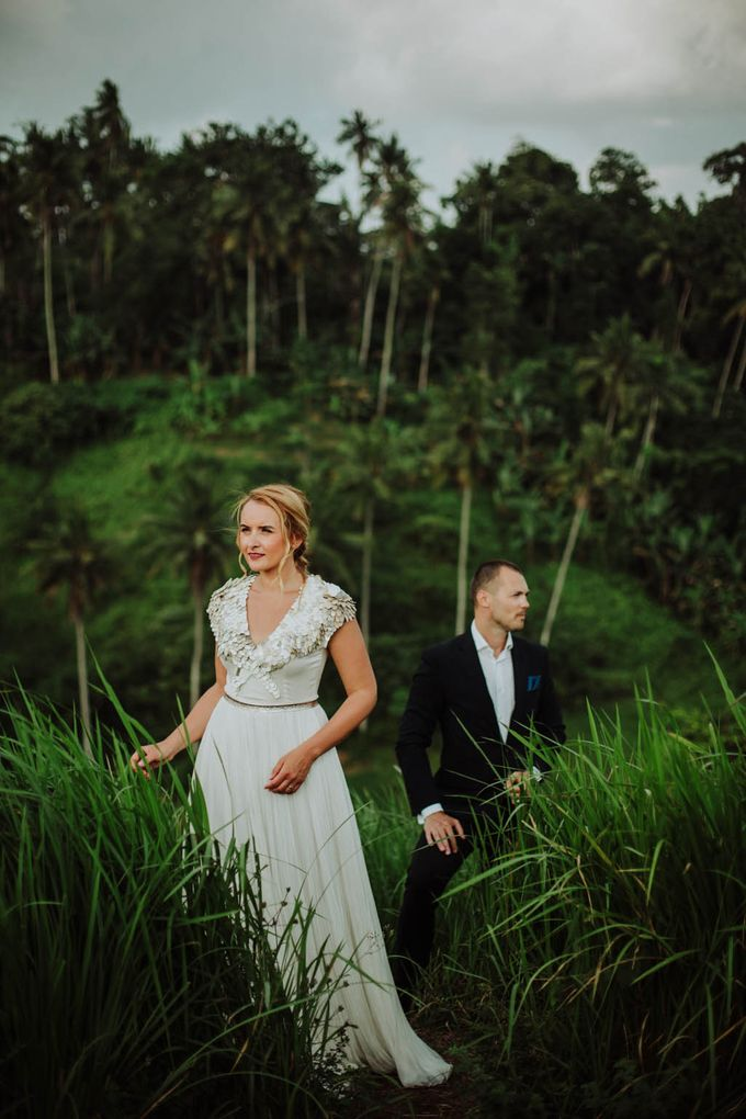 Intimate post wedding session of Corina & Razvan by Ario Narendro Photoworks - 015