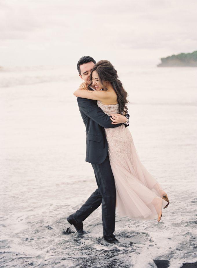 Matthew & Michelle Engagement by Arta Photo - 036