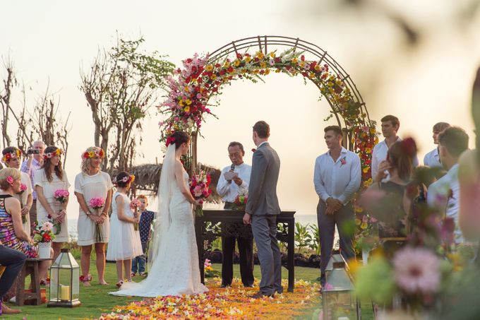 Colorful Day For Jess & Jack by D'studio Photography Bali - 007